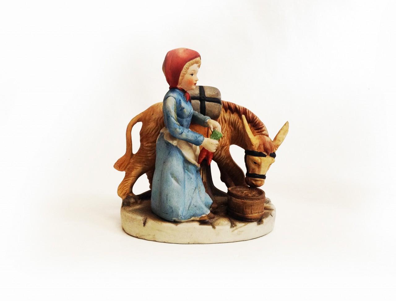 Porcelán lány szamárral