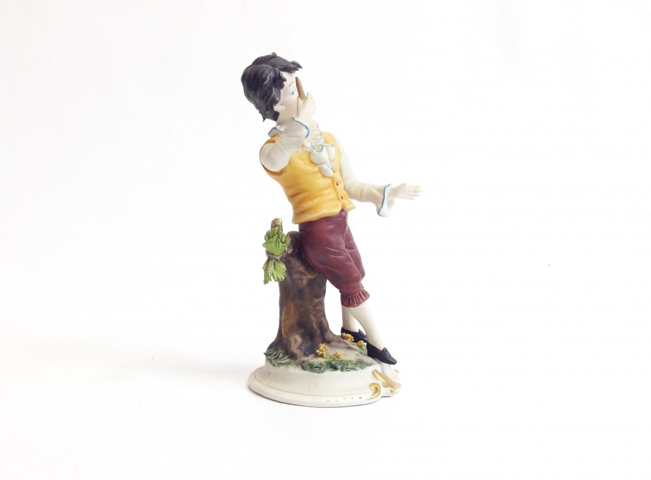 Capodimonte porcelán fiúcska