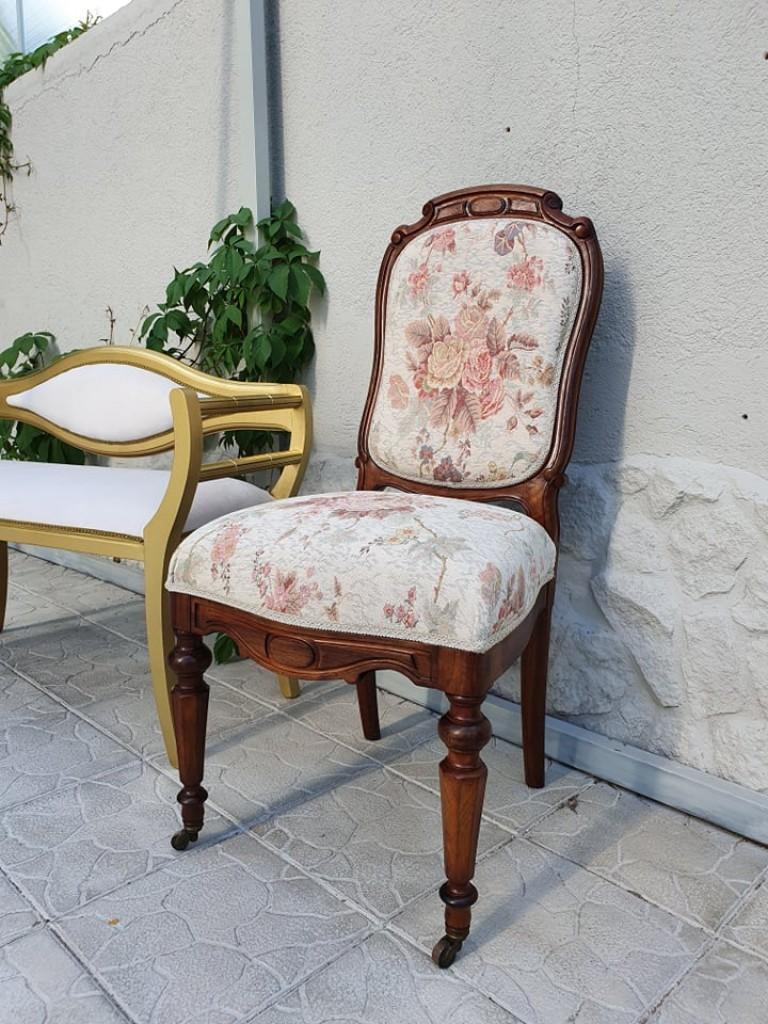 Antik felújított kárpitos szék
