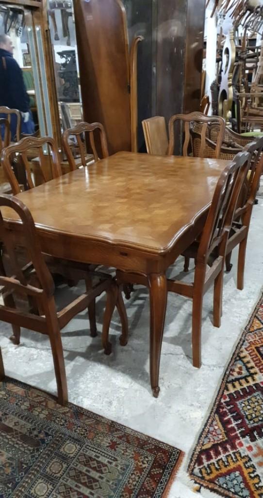 Étkező asztal 6 db székkel
