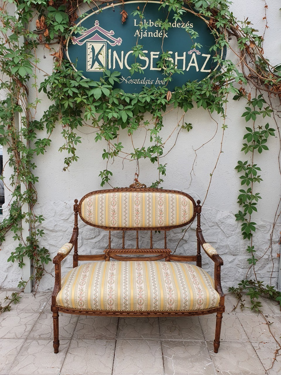 Antik klasszicista stílusú francia kanapé
