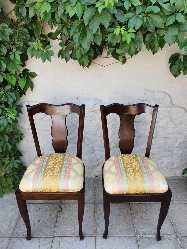 Felújított székek szólóban, párban