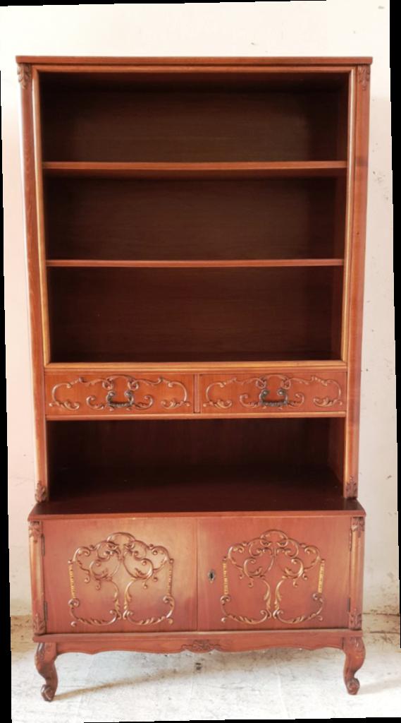 Antik jellegű barokk stílusú szekrény